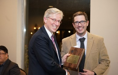 David Keire receiving the St. Louis Section ACS Award at the Banquet from Benjamin Barth, immediate past chair of the section.